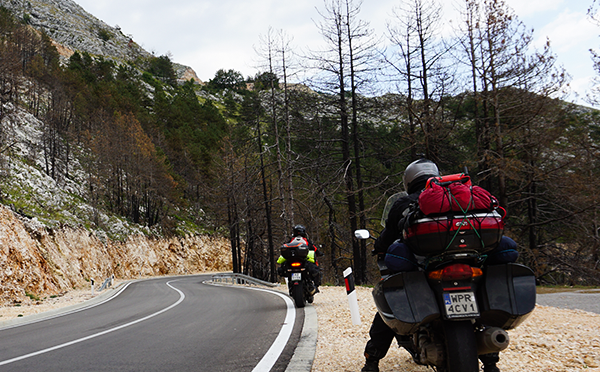 What to take on a motorcycle trip? Guide on how to pack and what not to forget