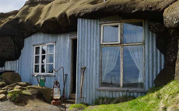 Laugarvatn Caves, how some of the people in Iceland lived in the 20th century